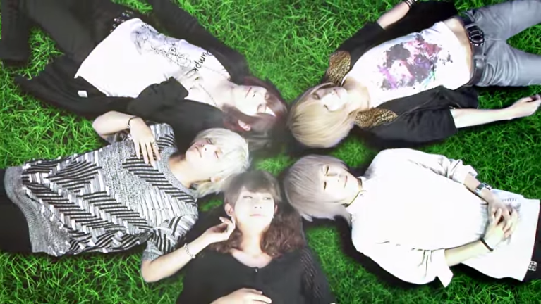 <Source:Royz Official Youtube Channel>